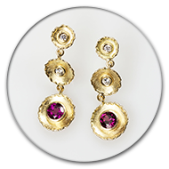 Boucle d'oreille, rodolith, diamants, or jaune 750