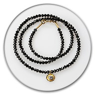 Amazingly sparkling black diamond chain with pendant in 18k gold with brilliant