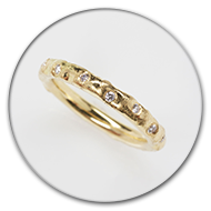 Ring from 18k gold with brilliants