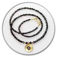 Amazingly sparkling black diamond chain with 18k gold and blackend 925 silver with a brilliant